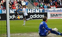 Tippeligaen Rosenborg - Kongsvinger 6 juni  2010<br /> Lerkendal Stadion, Trondheim<br /> <br /> <br /> Fredrik Winsnes har gitt Rosenborg 1-0 og Myhre fortviler<br /> <br /> Foto : Arve Johnsen, Digitalsport