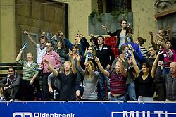 08-01-2011 VOLLEYBAL: CEV SATELLITE INDOOR BEACHVOLLEYBALL: AALSMEER<br /> The first CEV Indoor beachvolleyball tournament / Publiek support<br /> ©2011-WWW.FOTOHOOGENDOORN.NL / Peter Schalk