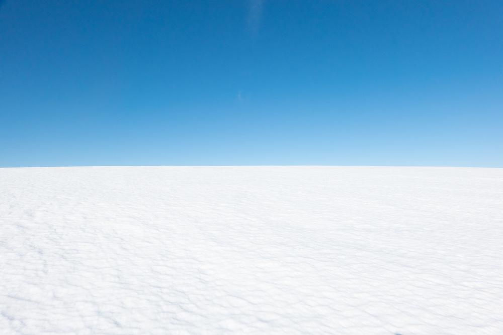 Blåisen, isbre i Narvik kommune, Nordland fylke, 1475 moh. Velegnet som bakgrunnsbilde for vinterlige tema.
