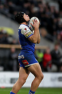 St Helens half back Jonny Lomax (6) takes a high ball safely during the Betfred Super League match between Hull FC and St Helens RFC at Kingston Communications Stadium, Hull, United Kingdom on 16 February 2020.