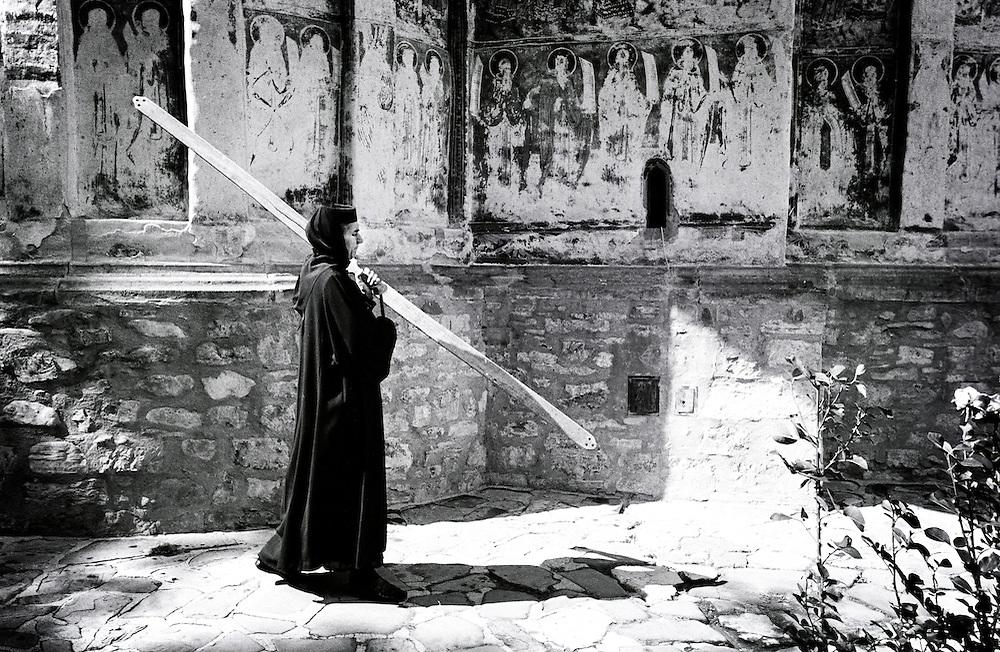 Gura Humorului, Romania, July 2007<br /> A nun walks around the Humor monastery.<br /> Photo: Ezequiel Scagnetti