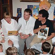 Nationale Voorleesdag, Monique van der Ven leest voor in Mauve, samen met Edwin de Vries en Jasper Krabbe