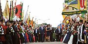 Zijne Majesteit Koning Willem Alexander en Hare Majesteit Koningin Máxima bezoeken de provincie Limburg <br /> <br /> His Majesty King Willem Alexander and Máxima Her Majesty Queen visits the province of Limburg<br /> <br /> Op de foto / On the photo:  Aankomst van de Koning en Koningin bij het Gouvernement aan de Maas  // Arrival of the King and Queen at the Government on the Maas