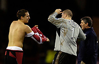 Photo: Jed Wee.<br />Sheffield United v Arsenal. The Barclays Premiership. 30/12/2006.<br /><br />An injury to Sheffield United goalkeeper Paddy Kenny (R) sees defender Phil Jagielka swap jerseys to take up goalkeeping duties.