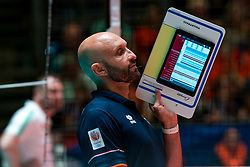 29-05-2019 NED: Volleyball Nations League Netherlands - Bulgaria, Apeldoorn<br /> Coach Jamie Morrison of Netherlands