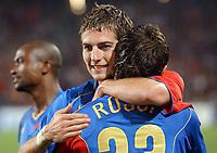 Basels Mladen Petric jubelt mit Julio Hernan Rossi. © Alexander Wagner/EQ Images