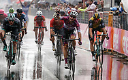 Arrival sprint Elia Viviani (ITA - QuickStep - Floors) - Sam Bennett (IRL - Bora - Hansgrohe) during the 101th Tour of Italy, Giro d'Italia 2018, stage 17, Riva del Garda - Iseo 155 km on May 23, 2018 in Italy - Photo Roberto Bettini / BettiniPhoto / ProSportsImages / DPPI