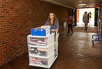 St Paul's School move in day.  ©2016 Karen Bobotas Photographer