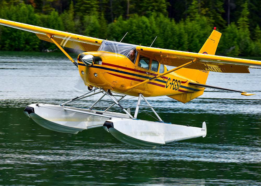 C-FGSI moments from setting down on Schwatka Lake, Yukon