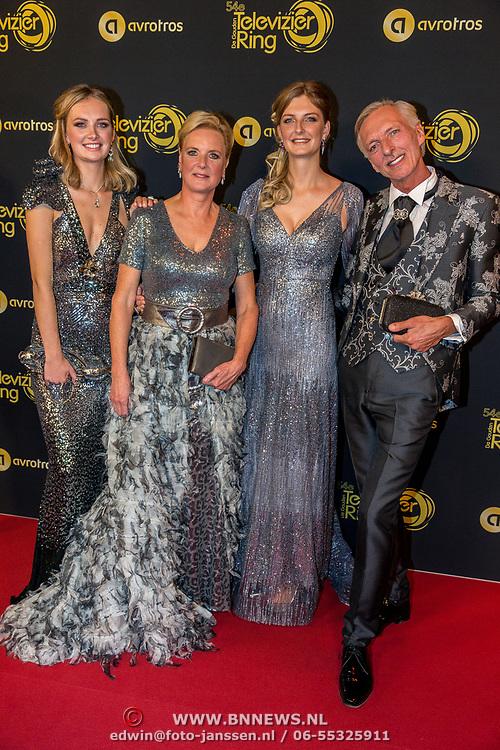 NLD/Amsterdam/20191009 - Uitreiking Gouden Televizier Ring Gala 2019, Familie Meiland, Martien Meiland , Erica Meiland en dochters Maxime en Montana