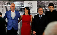 Zinedine Zidane (L) poses with his family and Real Madrid´s President Florentino Perez during his presentation as Real Madrid´s new coach at Santiago Bernebeu stadium Madrid, Spain. January 04, 2016. (ALTERPHOTOS/B. Echavarri)