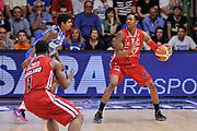 DESCRIZIONE : Campionato 2014/15 Dinamo Banco di Sardegna Sassari - Olimpia EA7 Emporio Armani Milano Playoff Semifinale Gara3<br /> GIOCATORE : MarShon Brooks<br /> CATEGORIA : Palleggio Controcampo<br /> SQUADRA : Olimpia EA7 Emporio Armani Milano<br /> EVENTO : LegaBasket Serie A Beko 2014/2015 Playoff Semifinale Gara3<br /> GARA : Dinamo Banco di Sardegna Sassari - Olimpia EA7 Emporio Armani Milano Gara4<br /> DATA : 02/06/2015<br /> SPORT : Pallacanestro <br /> AUTORE : Agenzia Ciamillo-Castoria/L.Canu