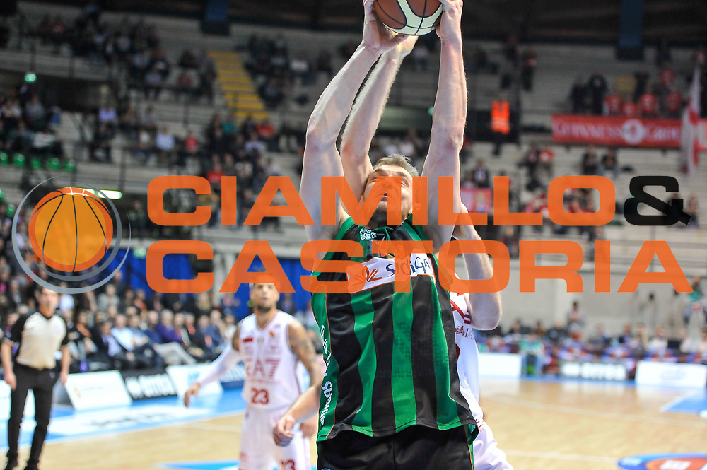 DESCRIZIONE : Final Eight Coppa Italia 2015 Desio Quarti di Finale Olimpia EA7 Emporio Armani Milano - Sidigas Scandone Avellino<br /> GIOCATORE : Luca Lechtaler<br /> CATEGORIA : Rimbalzo<br /> SQUADRA : Sidigas Scandone Avellino<br /> EVENTO : Final Eight Coppa Italia 2015 Desio<br /> GARA : Olimpia EA7 Emporio Armani Milano - Sidigas Scandone Avellino<br /> DATA : 20/02/2015<br /> SPORT : Pallacanestro <br /> AUTORE : Agenzia Ciamillo-Castoria/L.Canu