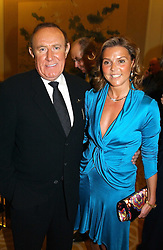 """ANDREW NEIL and BEATRICE HAYEN at the Vote No Dinner -The dinner is the first stage in building a """"£5m war chest for the campaign for a No vote in the forthcoming referendum on the constitution, held at the Savoy Hotel, London on 16th November 2004.<br /><br />NON EXCLUSIVE - WORLD RIGHTS"""