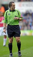 Photo: Daniel Hambury.<br />Reading v Arsenal. The Barclays Premiership. 22/10/2006.<br />Referee Alan Wiley.