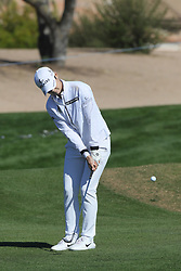 March 22, 2019 - Phoenix, AZ, U.S. - PHOENIX, AZ - MARCH 22: Sung Hyun Park pitches a shot during the second round of the Bank of Hope LPGA Golf Tournament at the Wildfire Golf Club at JW Marriott Phoenix Desert Ridge Resort & Spa, March 22, 2019 in Phoenix, Arizona (Photo by Will Powers/Icon Sportswire) (Credit Image: © Will Powers/Icon SMI via ZUMA Press)
