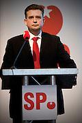 Emile Roemer, de nieuwe fractievoorzitter van de SP, houdt zijn eerste toespraak als kandidaatslijsttrekker voor de SP tijdens de Partijraad in de Eenhoorn in Amersfoort.