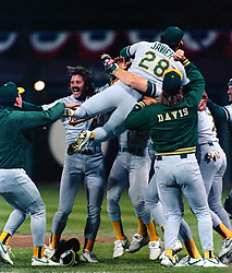 Dennis Eckersley and the Oakland A's win, 1989