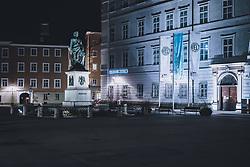 09.04.2020, Salzburg, AUT, Coronavirus in Österreich, im Bild Mozartstatue am Mozartplatz während der Coronavirus Pandemie // Mozart statue at Mozartplatz during the World Wide Coronavirus Pandemic in Salzburg, Austria on 2020/04/09. EXPA Pictures © 2020, PhotoCredit: EXPA/ JFK