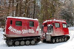 04-02-2011 SKIEN:  FIS ALPINE WORLD CHAMPIONSSHIP: GARMISCH PARTENKIRCHEN<br /> A shuttle bus to take people to huts on the mountain.                                        <br /> **NETHERLANDS ONLY**<br /> ©2011-WWW.FOTOHOOGENDOORN.NL/NPH-Mitchell Gunn