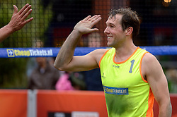 20150621 NED: Wildcard WK Beachvolleybal, Amstelveen<br /> In Amstelveen werd er voor de laatste ticket voor het WK gestreden / Daan Spijkers en Tim Oude Elferink zijn het negende duo dat op het WK beachvolleybal namens Nederland in actie komt. De mannen behaalden tijdens het eredivisietoernooi in Amstelveen de derde plaats en zijn niet meer in te halen door hun concurrenten.