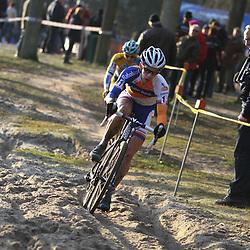 Nederlands Kampioenschap veldrijden Gasselte elite Lars van der Haar moest alle zeilen bijzetten om van Kessel van zich af te houden in eerste deel vna de koers