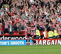 Photo: Mark Stephenson/Richard Lane Photography. <br /> Sheffield United v Cardiff City. Coca-Cola Championship. 19/04/2008. <br /> Sheffield's goal scorer  Gary Speed (R) and Stephen Quinn celebrate
