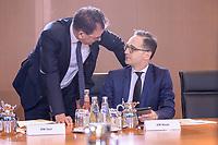 29 JAN 2020, BERLIN/GERMANY:<br /> Gerd Mueller (L), CSU, Bundesentwicklungshilfeminister, und Heiko Maas (R), SPD, Bundesaussenminister, im Gespraech, vor Beginn der Kabinettsitzung, Bundeskanzleramt<br /> IMAGE: 20200129-01-005<br /> KEYWORDS: Kabinett, Sitzung, Gerd Müller, Gespräch