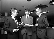 29th April 1983<br /> <br /> Feargal Quinn (centre) pictured at an IMI conference at Jury's Hotel, Dublin.
