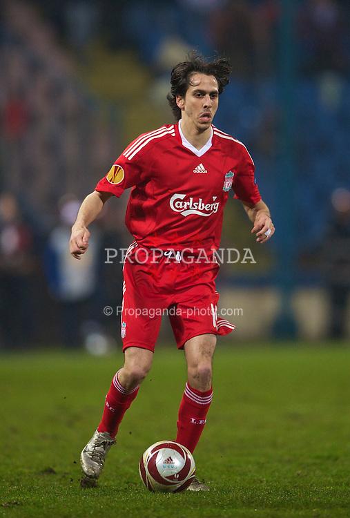 BUCHAREST, ROMANIA - Thursday, February 25, 2010: Liverpool's Yossi Benayoun in action against FC Unirea Urziceni during the UEFA Europa League Round of 32 2nd Leg match at the Steaua Stadium. (Photo by David Rawcliffe/Propaganda)