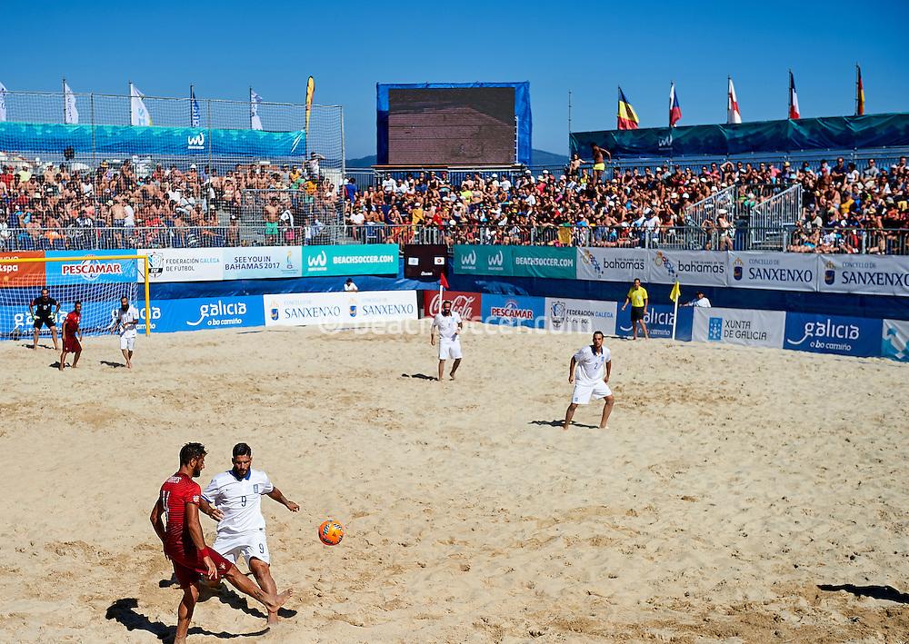Portugal and Greece meet at the Euro Beach Soccer League 2016 in Sanxenxo. (Photo by Manuel Queimadelos)