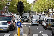 Verkeer in Amsterdam, Jan van Galenstraat.Traffic in Amsterdam