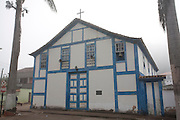 Piranga_MG, Brasil...Igreja de Nossa Senhora do Rosario dos Pretos, a capela e um exemplar tipico da linguagem arquitetonica do seculo XVIII em Piranga, Minas Gerais...Our Lady of the Rosary of Black Church in Piranga, Minas Gerais...Foto: LEO DRUMOND / NITRO