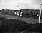 1958 - Soccer: Evergreen United v Shamrock Rovers at Dalymount Park