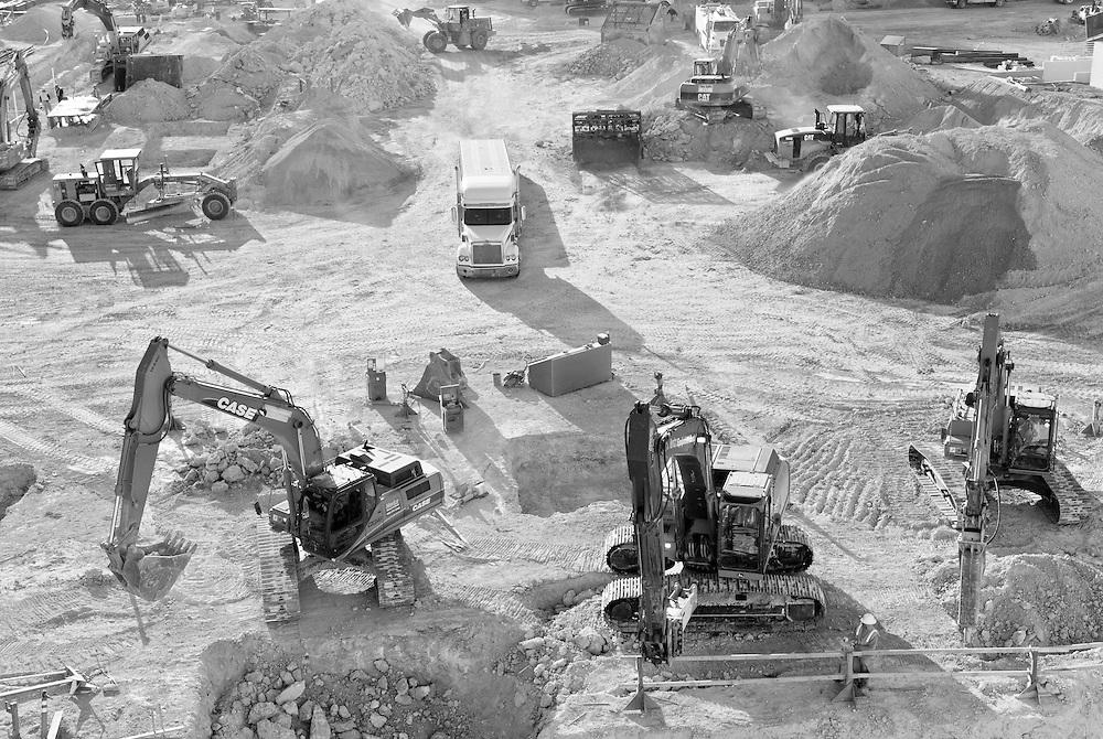 "Baugrube für das zweite von Steve Wynn finanzierte Hotel namens ""Encore"" in Las Vegas, Nevada, USA    |  Large construction  site for  the second Steve Wynn Hotel named ""Encore""  |"