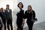 VANESSA ARELLE; YVONNE FORCE VILLAREAL;, Opening of new White Cube Gallery in Bermondsey. London. 11 October 2011. <br /> <br />  , -DO NOT ARCHIVE-© Copyright Photograph by Dafydd Jones. 248 Clapham Rd. London SW9 0PZ. Tel 0207 820 0771. www.dafjones.com.