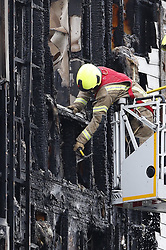 © Licensed to London News Pictures. 09/09/2019. London, UK. The scene of a fire at a four-storey block of flats in Worcester Park, south-west London, where twenty fire engines and more than 100 firefighters have been called. The fire quickly spread at around 1.30am on Monday morning on Sherbrooke Way. Photo credit: Peter Macdiarmid/LNP