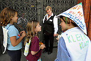BERLIN, GERMANY - 26/06/2008 - TRAVEL, Children protesting at the gate of the Rathause (townhall) ..cfr. Berlin, Germany, capital, ..©Christophe VANDER EECKEN