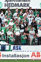 Hamkam-supportere. Kongsvinger - Hamkam 1-1. 1. divisjon 2000, 1. juni 2000. (Foto: Peter Tubaas/Fortuna Media AS)