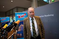 DEU, Deutschland, Germany, Berlin, 26.09.2017: Der Vorsitzende der AfD-Bundestagsfraktion, Alexander Gauland, bei einer Pressekonferenz  nach der ersten Fraktionssitzung der AfD-Bundestagsfraktion im Deutschen Bundestag.