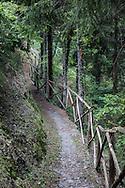 Triora, Il sentiero delle streghe. Triora, the path of the witches.