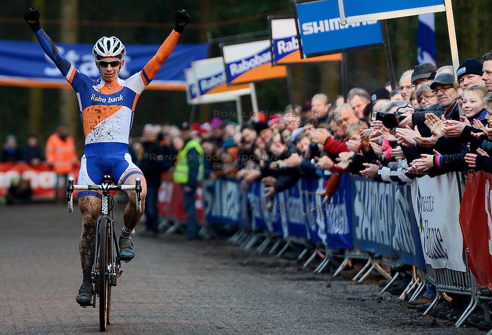 12-01-2014 WIELRENNEN: STANNAH NK CYCLOCROSS: GASSELTE<br /> Winnaar Lars van der Haar heeft zijn nationale titel bij het veldrijden met succes verdedigd. <br /> ©2014-FotoHoogendoorn.nl