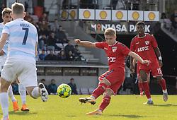 Christian Tue Jensen (FC Fredericia) afslutter under kampen i 1. Division mellem FC Fredericia og FC Helsingør den 4. oktober 2020 på Monjasa Park i Fredericia (Foto: Claus Birch).