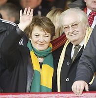 Photo: Aidan Ellis.<br /> Barnsley v Norwich City. Coca Cola Championship. 03/03/2007.<br /> Norwich city's Delia Smith waves.