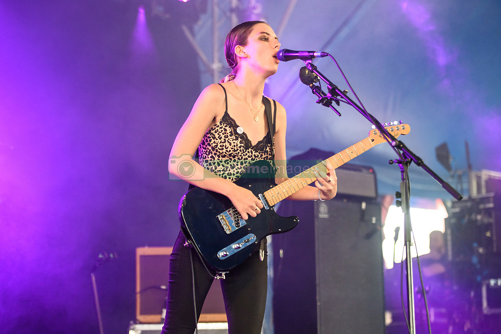 August 26, 2017 - Reading, Berkshire, UK - Reading Festival 2017, Reading, UK. Wolf Alice perform a secret early afternoon set.  Ellie Rowsell pictured  (Credit Image: © Andy Sturmey/London News Pictures via ZUMA Wire)
