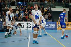 20181103 NED: Eredivisie, Sliedrecht Sport - Abiant Lycurgus: Sliedrecht<br />Erik van der Schaaf (9) of Abiant Lycurgus baalt van het verlies met 3-0<br />©2018-FotoHoogendoorn.nl / Pim Waslander
