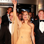 NLD/Amsterdam/20110527 - 40ste verjaardag Prinses Maxima, Prinses Maxima en Prins Willem Alexander met vader  Jorge  Zorreguieta en boer Martin