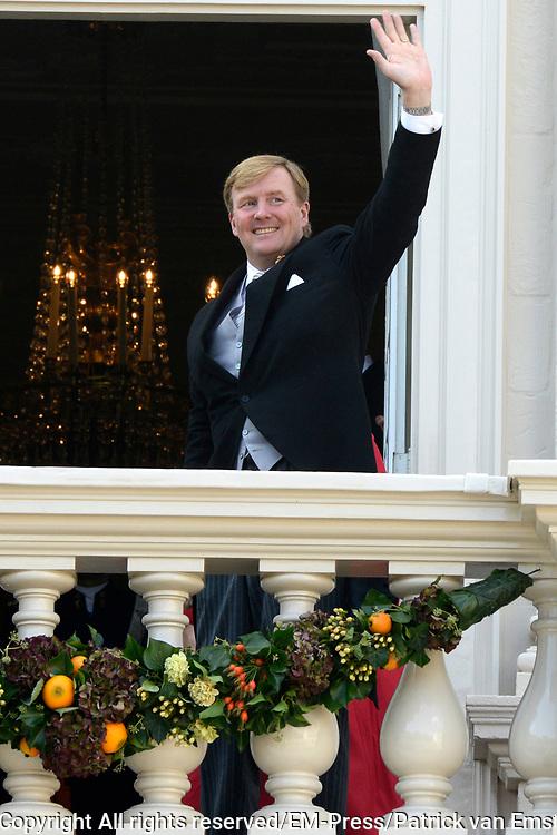 Prinsjesdag 2014 - Balkonscene op Paleis Noordeinde  /// Parlementday 2014 - Balcony Scene at Palace Noordeinde<br /> <br /> Op de foto:  Koning Willem Alexander / King Willem Alexander