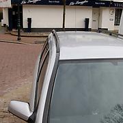Inval politie woning Wilhelminaplantsoen Bussum, boven discotheek Smugglers, onderzoek Exel Air van Erik de Vlieger, busje van forensisch onderzoek, openbaar ministerie, personeel, technische recherche,