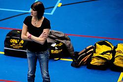 27-10-2012 VOLLEYBAL: SV DYNAMO - PRISMAWORX STRAVOC: APELDOORN<br /> Eerste divisie B vrouwen / Trainer Ellen Luttikhuis<br /> ©2012-FotoHoogendoorn.nl
